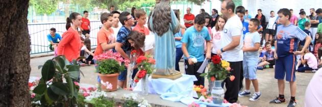 Ofrenda de flores a la Virgen